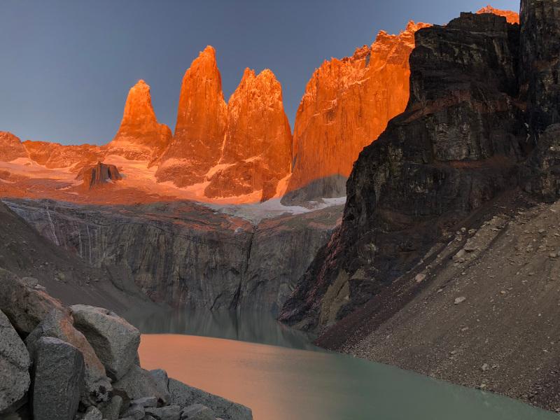 Die Torres del Paine Türme beim Sonnenaufgang